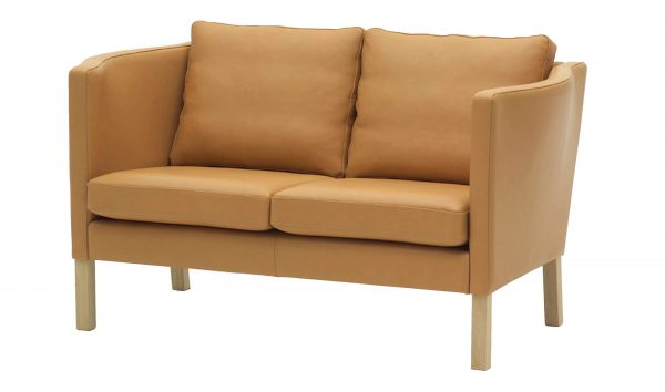 AV59 Loveseat